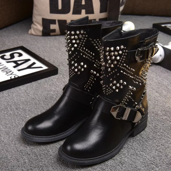 2017 Brand Famous designer Rivet Motorcycle Boots Square Heel Studded Buckle Booties brand Shoes Genuine Leather Boots D696